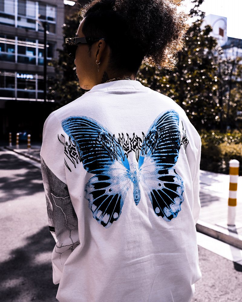 《2色》オーバーサイズブルーバタフライロングTシャツの画像1